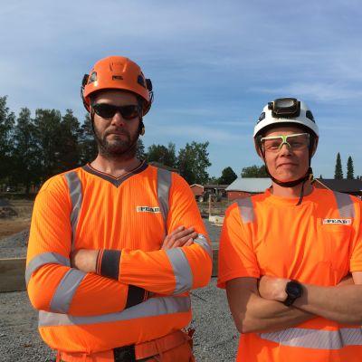 rakennusmiehet työmaalla