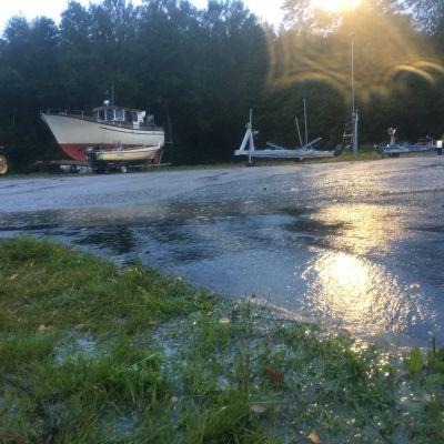 Veneitä Vaasassa Aila-myrskyä odotellessa 16.9.20