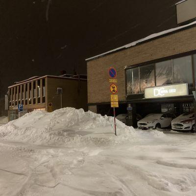 Lunta helmikuussa Kajaanin keskustassa.