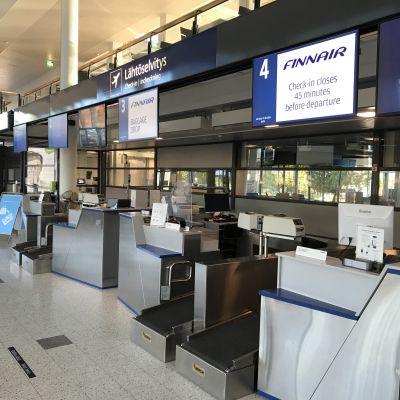 Kuopion lentoaseman lähtöselvitystiskejä