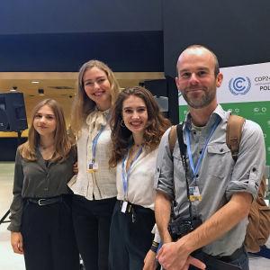 Tyska elever som har granskat hur skolböcker handskas med klimatförändringen