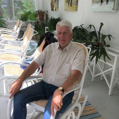 eläkkeelle jäävä Etelä-Karjalan maakuntajohtaja Matti Viialainen