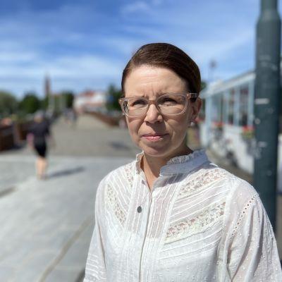 Liike Nytin valtuutettu Sanna Metsälä kuvattuna Savonlinnassa.