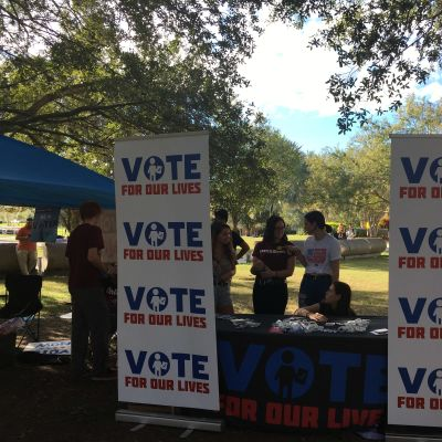 Parklandaktivisterna försöker locka unga att rösta
