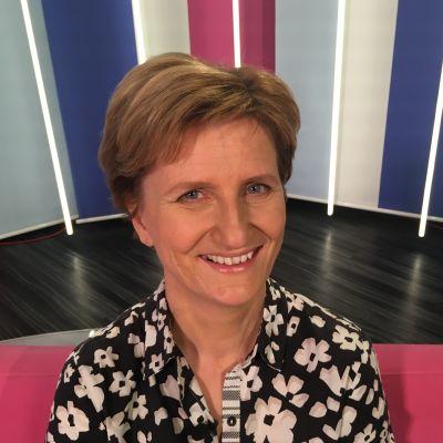 Kirjailija Minna Lindgren ihmettelee, miksi suomalaisen elämässä vain työ on arvokasta