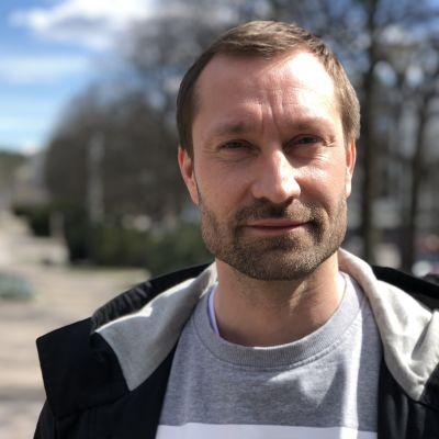 Kokoomuksen Lahden valtuustoryhmän puheenjohtaja Toni Putula