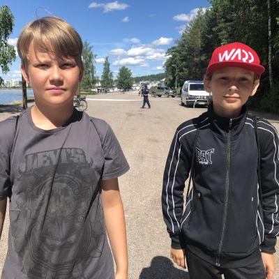 Lari Tammivuori ja Viljami Juutilainen löysivät käsikranaatin Lahden stamasta 2.7.2020