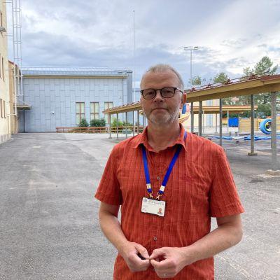 Heikki Ervast harjoittelukoulun rehtori.
