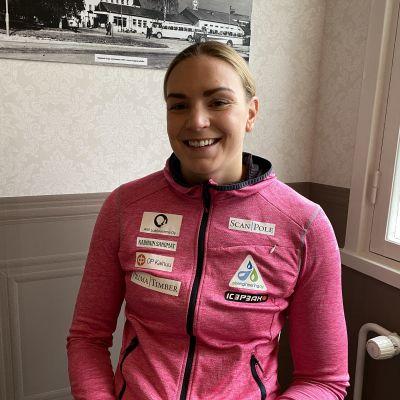 Uimari Jenna Laukkanen tiedotustilaisuudessaan syyskuussa 2020.