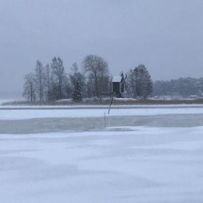 Kallavedellä on pumpattu jo vettä jäämaratonratapohjalle
