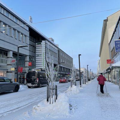 Luminen Kajaanin keskusta.