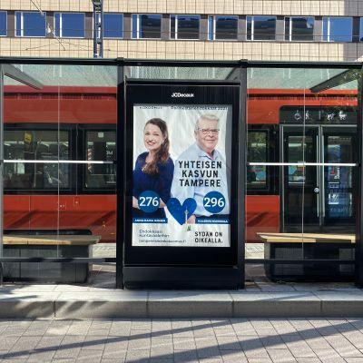 Kokoomuksen vaalimainos Tampereella