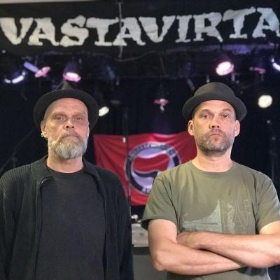 Jyri Piekäinen ja Panu Kotila Vastavirta-klubilla.