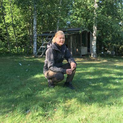 Suomen eläinsuojeluyhdistyksen vapaaehtoinen eläinsuojeluneuvoja Minna Pellinen.