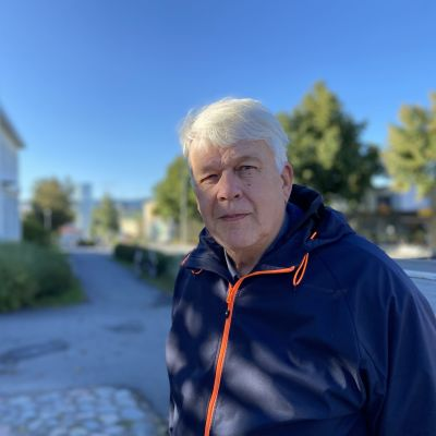 Matti Viialainen henkilökuvassa.