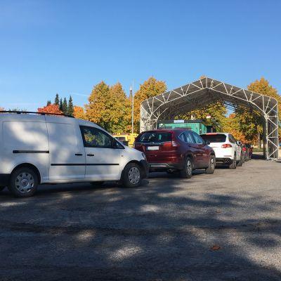 Drive-in koronatestausta Vaasassa 29.9.2021