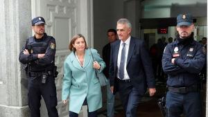 Förhöret av Carme Forcadell, den avsatte talmannen för Kataloniens parlament avbröts och sköts fram till nästa vecka.