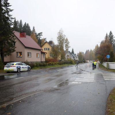 Gatan där kvinnan blev påkörd av lastbilen.