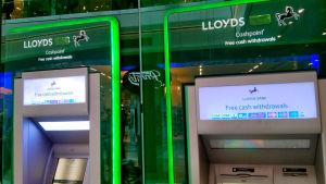 Pankkiautomaatteja