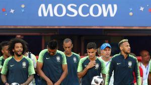 Brasilien tränar inför VM-matchen mot Serbien.