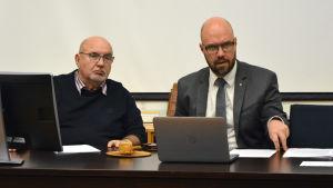 Lars Gästgivars (SFP) och Kim Berg (SDP).