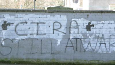 Graffiti som uttrycker stöd för den irländs-republikanska utbrytargruppen Continuity IRA.