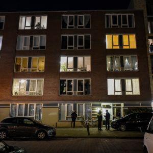 Ett bostadshus i Oudenoord, i Utrecht, som genomsöktes av polisen på måndagen.