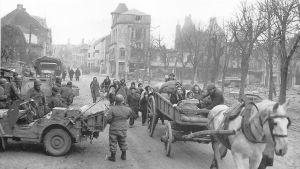 Amerikkalaisia saapumassa Bastogneen