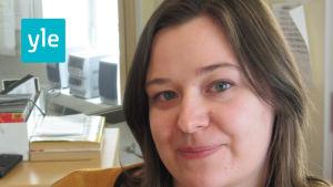Bettina Aspfors är redaktör på Svenska Yle och arbetar för Radio Vega Östnyland.