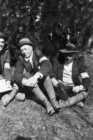Erik Grotenfelt och några andra vitgardister i Västankvarn i Ingå i maj 1918.