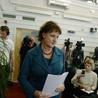 Kommunals ordförande Anneli Nordström håller pressträff och meddelar att hon avgår.
