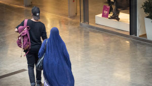 Maahanmuuttajia maahanmuuttajatausta nuoria