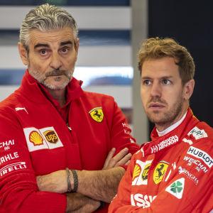 Stallchefen Maurizio Arrivabene och Ferrariföraren Sebastian Vettel i USA.