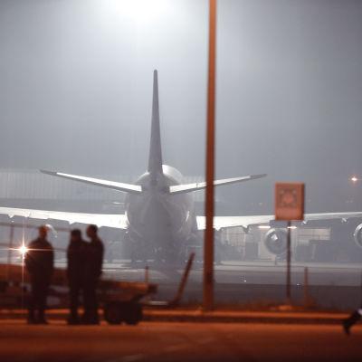 Ett flygplan på flygplatsen Sabiha Gökçen i Istanbul i samband med en flygkapning 7.2.2014