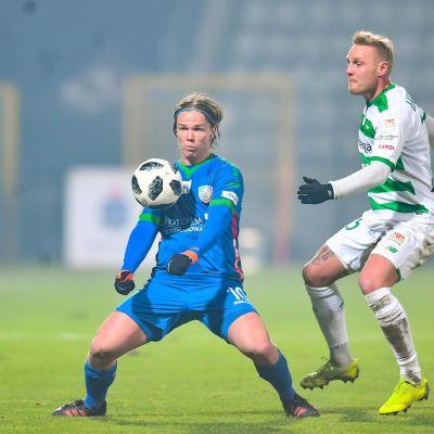 Petteri Forsell spelar i den polska ligan.