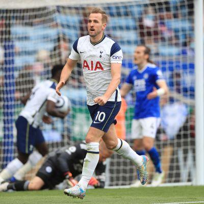 Harry Kane firar mål.