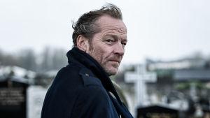 Uuden irlantilaistrillerin päähenkilö Jack Taylor on olemukseltaan nukkavieru, mutta jääräpäisyyteen saakka rehellinen poliisi.
