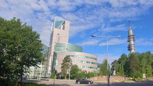 Iso Pajan rakennus kesällä.