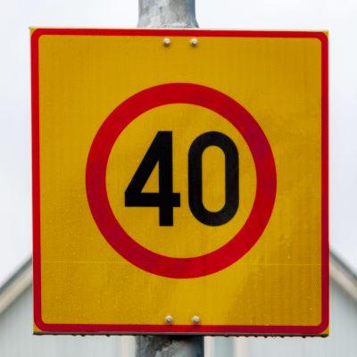 40km/h nopeusrajoituskyltti