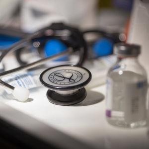 Lääkärin hoitovälineitä