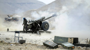 Afghanka säkerhetsstyrkor i operation mot talibaner och IS i provinsen Nangarhar den 20 september 2015.