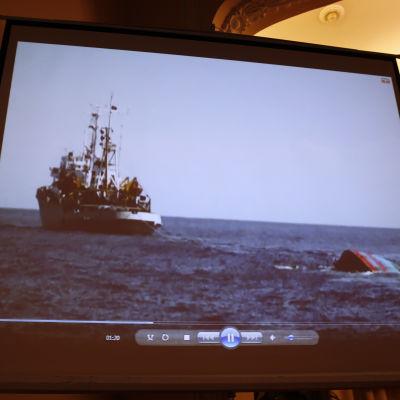 Vietnamesisk båt sjunker i Sydkinesiska havet, rammad av kinesiskt fartyg