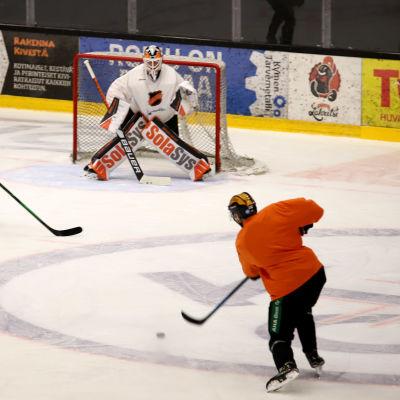 Jääkiekkoseura Kookoon harjoituksia