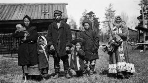 Samojedfamilj med mormor 1912