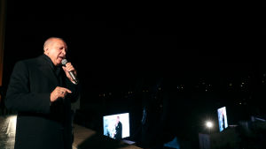 President Recep Tayyip Erdoğan erkände den bittra valförlusten i natt. Han hade vunnit alla landsomfattande val sedan år 2002