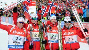 Emil Hegle Svendsen, Johannes Thingnes Bö, Tarjei Bö, Ole Einar Björndalen, Norge vann stafetten i Anterselva, januari 2015.