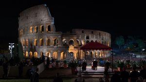Via Crucis startade vid Colosseum i Rom.
