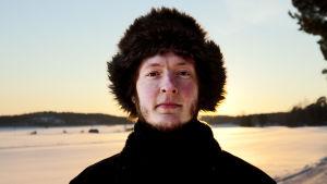 Useissa kokoonpanoissa vaikuttava multi-instrumentalisti Antti Tolvi