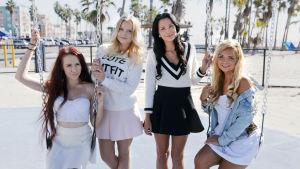 Janita, Henna, Mira och Judith är au pairs i Los Angeles