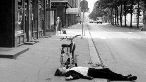 Aki Kaurismäki Mika Kaurismäen elokuvassa Valehtelija (1981).